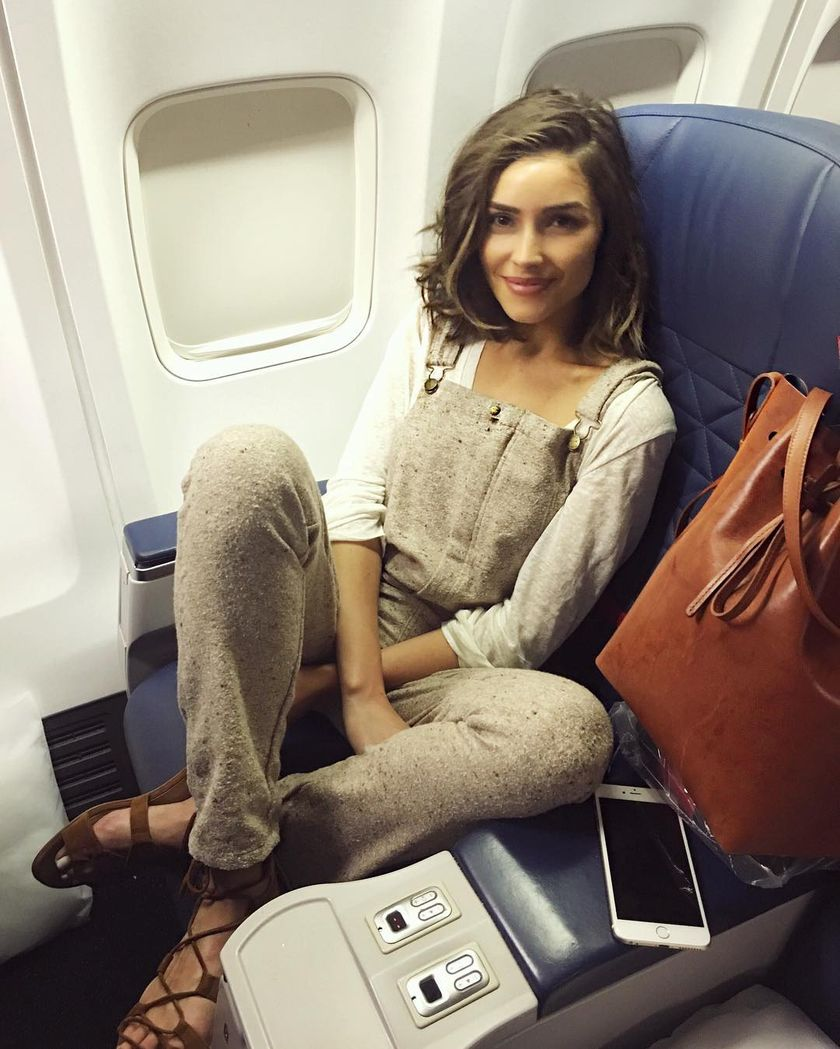 Summer airplane outfits travel style 52