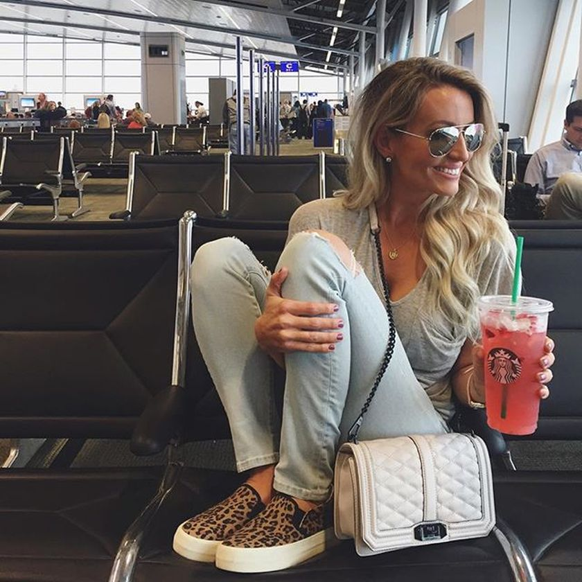 Summer airplane outfits travel style 67
