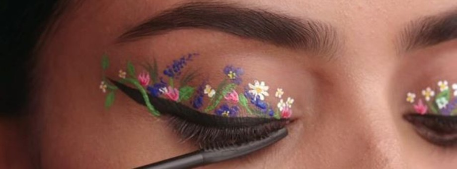 Floral eyeliner featured