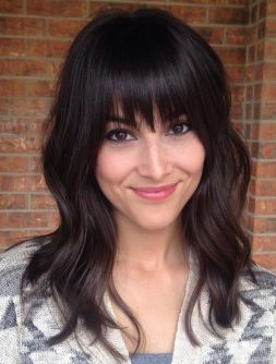 Awesome full fringe hairstyle ideas for medium hair 22