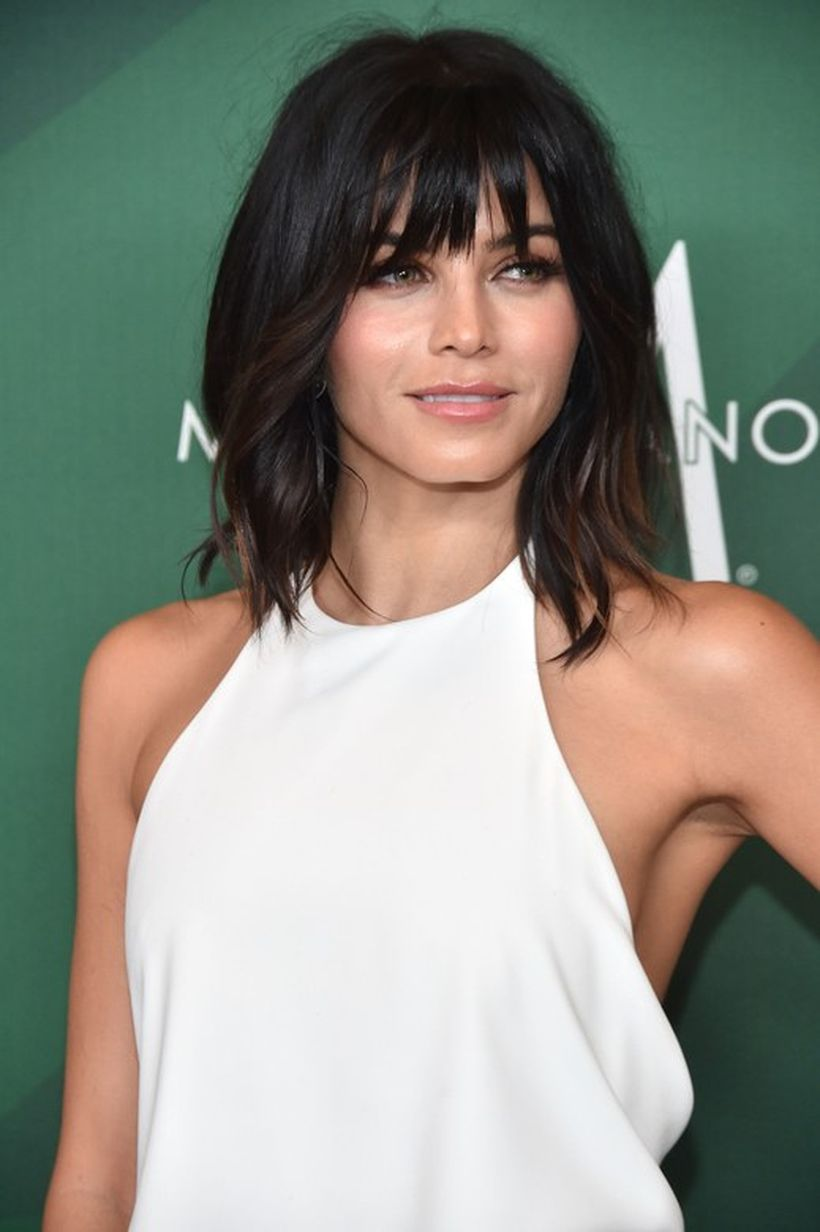 Awesome full fringe hairstyle ideas for medium hair 25