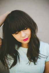 Awesome full fringe hairstyle ideas for medium hair 3
