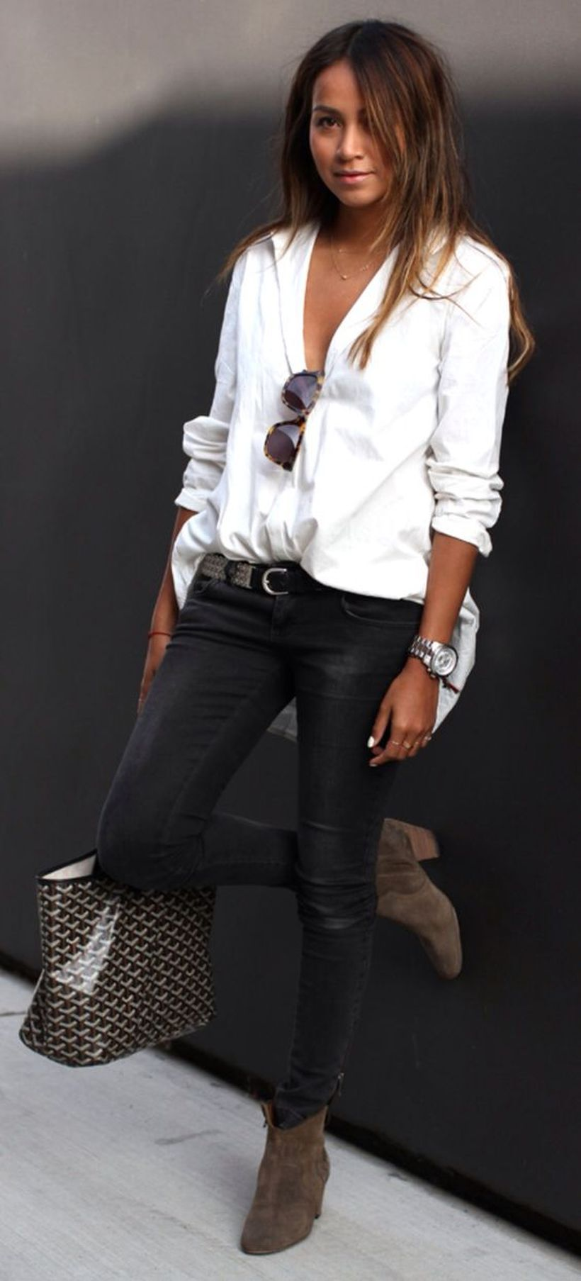 Awesome oversized white shirt outfit style ideas 18