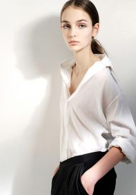 Awesome oversized white shirt outfit style ideas 25