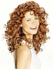 Beautiful curly layered haircut style ideas 15
