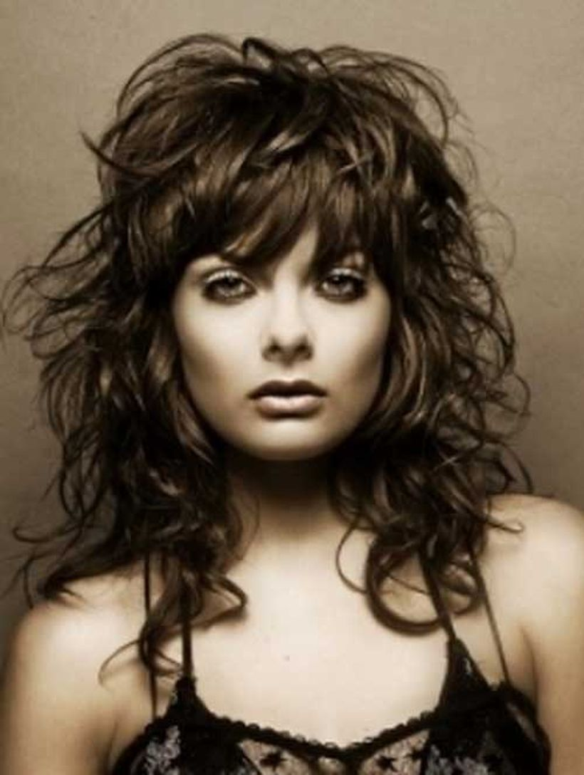 Beautiful curly layered haircut style ideas 42
