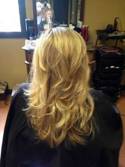 Beautiful curly layered haircut style ideas 46