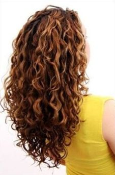 Beautiful curly layered haircut style ideas 7