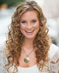Beautiful curly layered haircut style ideas 86