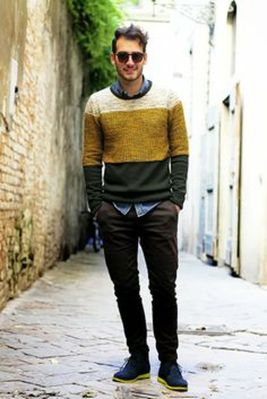 Cool men sweater outfits ideas 10