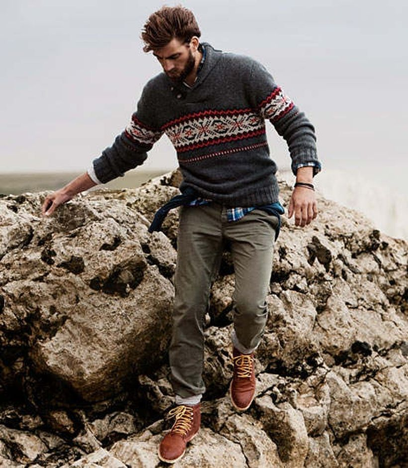 Cool men sweater outfits ideas 14