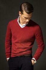 Cool men sweater outfits ideas 20