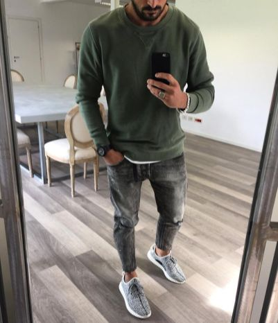 Cool men sweater outfits ideas 30