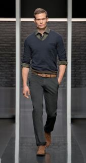 Cool men sweater outfits ideas 34