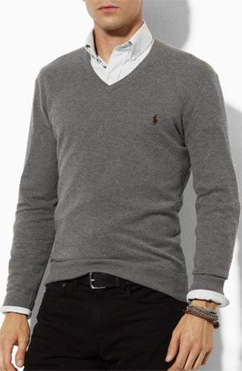Cool men sweater outfits ideas 5