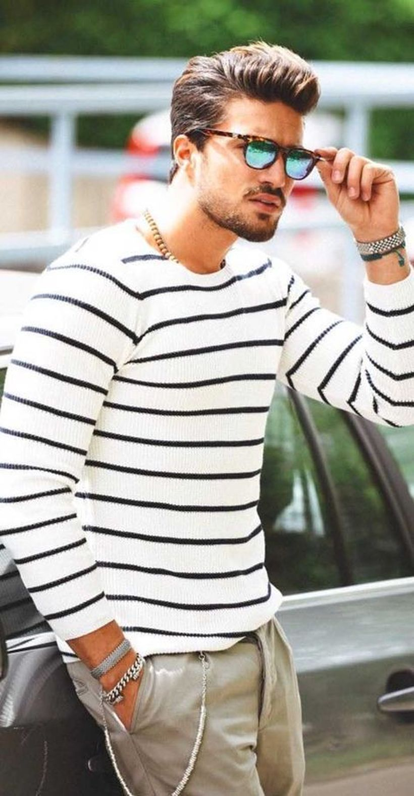 Cool men sweater outfits ideas 7