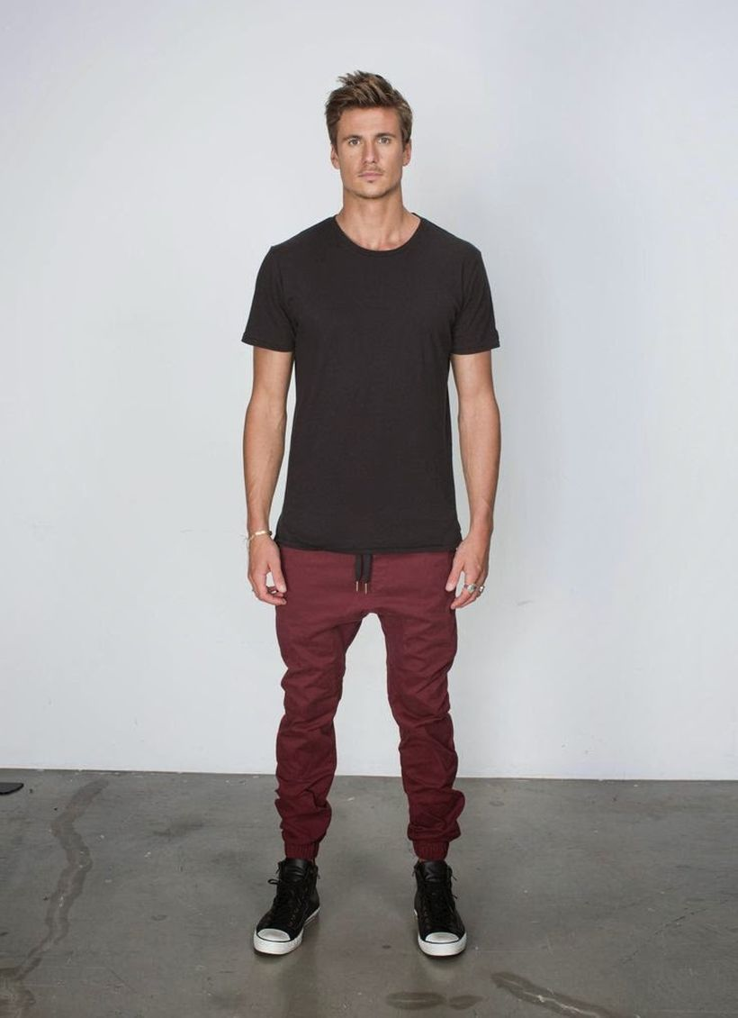 Cool mens joggers outfit ideas 14