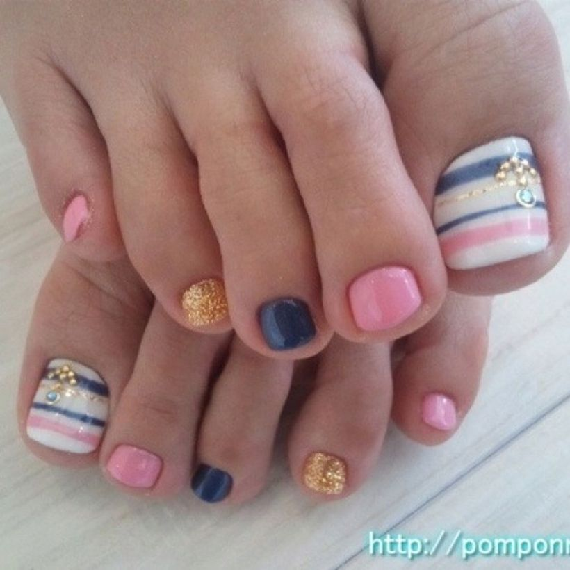 Cool summer pedicure nail art ideas 20