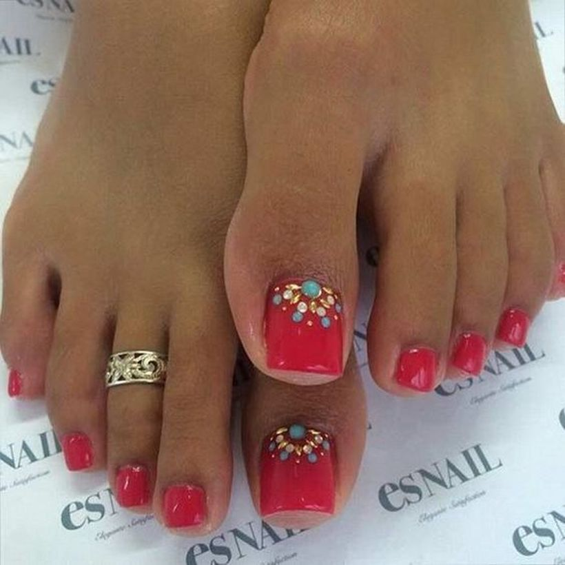 Cool summer pedicure nail art ideas 53