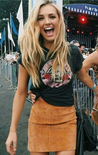 Cool tshirt and skirt for everyday outfits 20