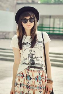 Cool tshirt and skirt for everyday outfits 33