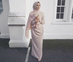 Elegant muslim outift ideas for eid mubarak 43