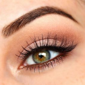 Fabulous look natural green eyes makeup 17