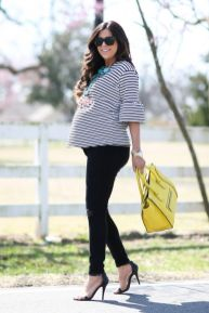 Fashionable maternity fashions outfits ideas 24