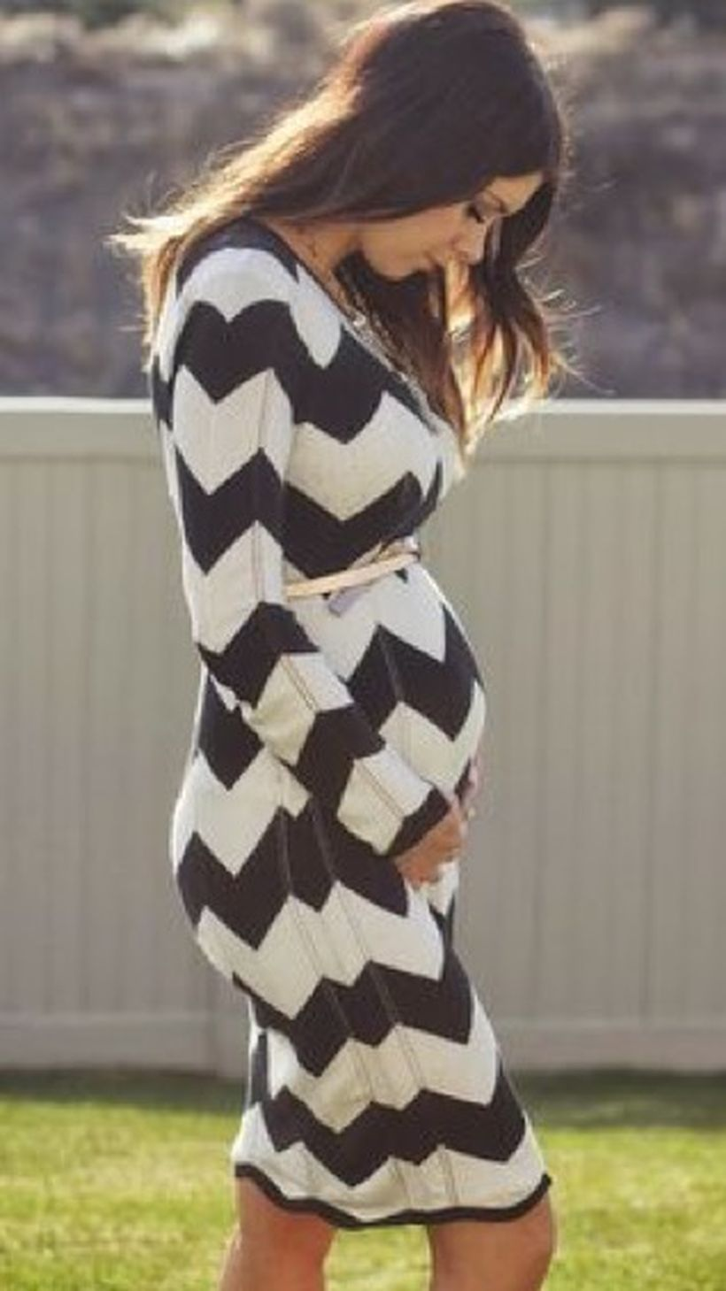 Fashionable maternity fashions outfits ideas 38