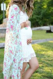 Fashionable maternity fashions outfits ideas 53