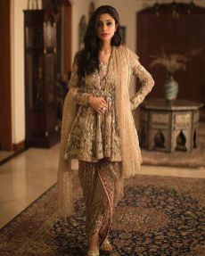 Fashionable muslim pakistani outfits 18
