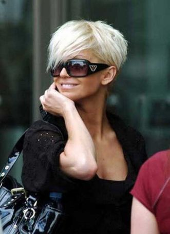 Funky short pixie haircut with long bangs ideas 15