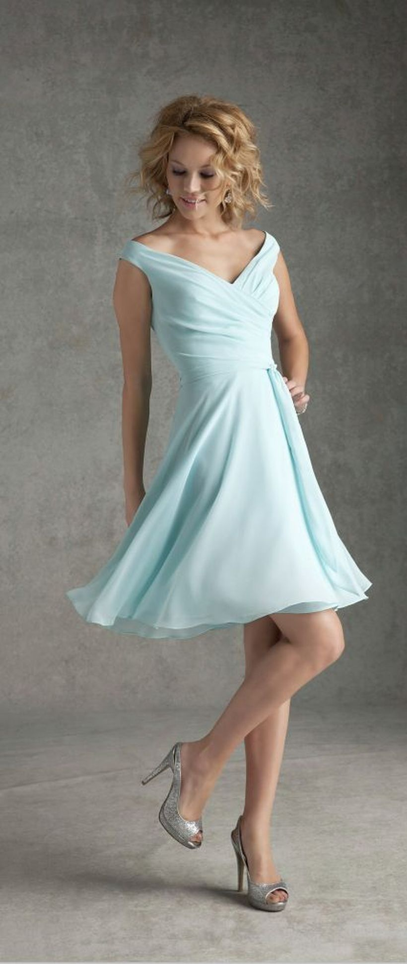 Gorgeous short bridesmaid dresses design ideas 23