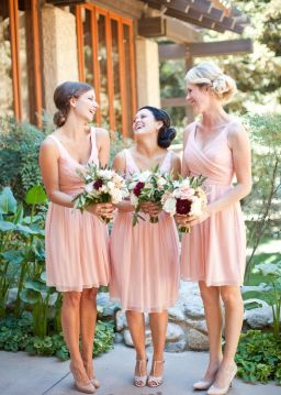 Gorgeous short bridesmaid dresses design ideas 28