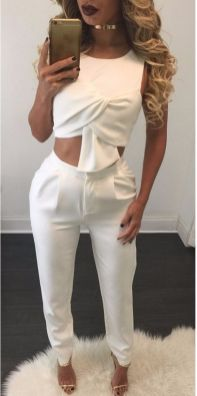 Gorgeous white two piece outfits ideas 1