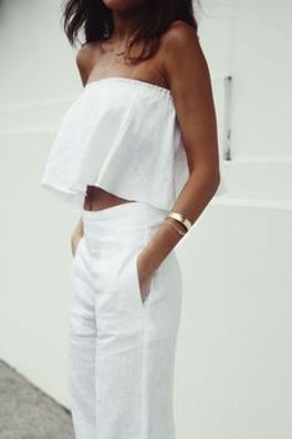 Gorgeous white two piece outfits ideas 2