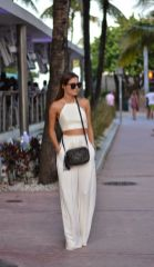 Gorgeous white two piece outfits ideas 26