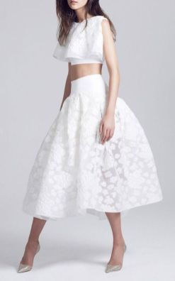 Gorgeous white two piece outfits ideas 3