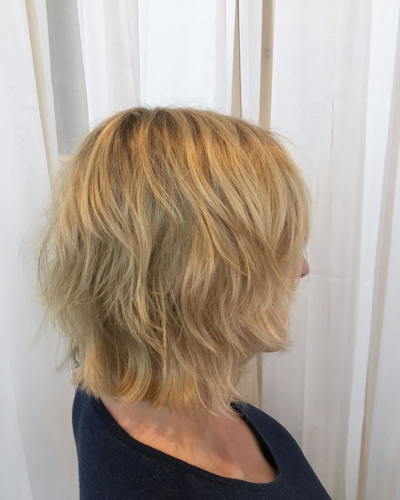 Modern medium shag haircut hairstyle ideas 38