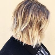 Modern short shaggy haircut hairstyle ideas 9