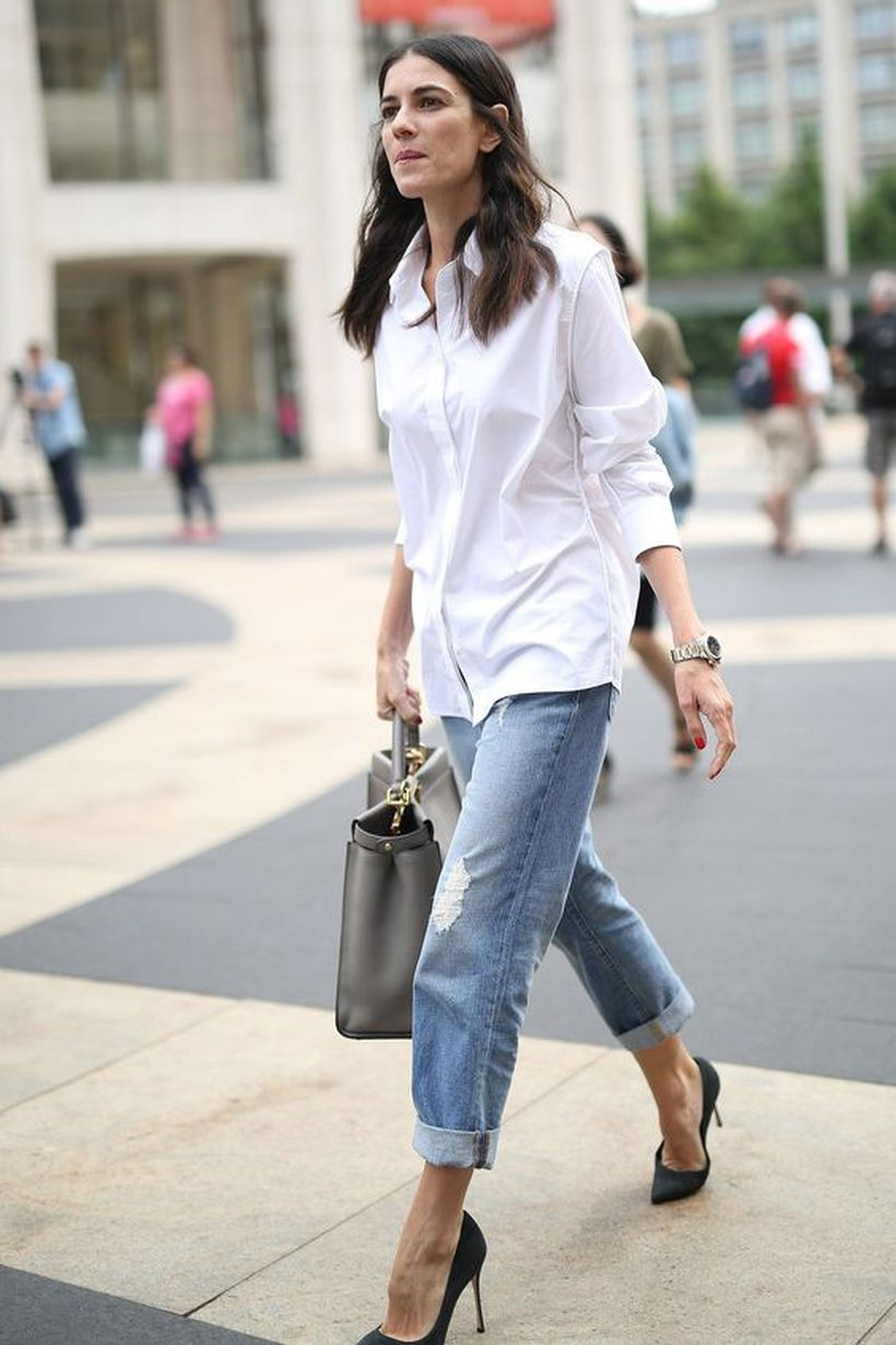 Oversized white shirt with jeans outfits ideas 1