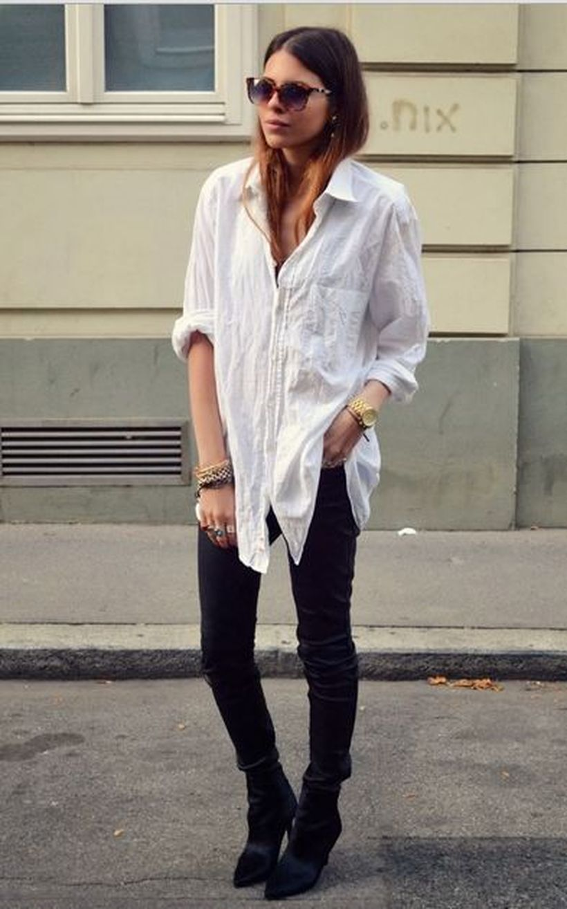 Oversized white shirt with jeans outfits ideas 5