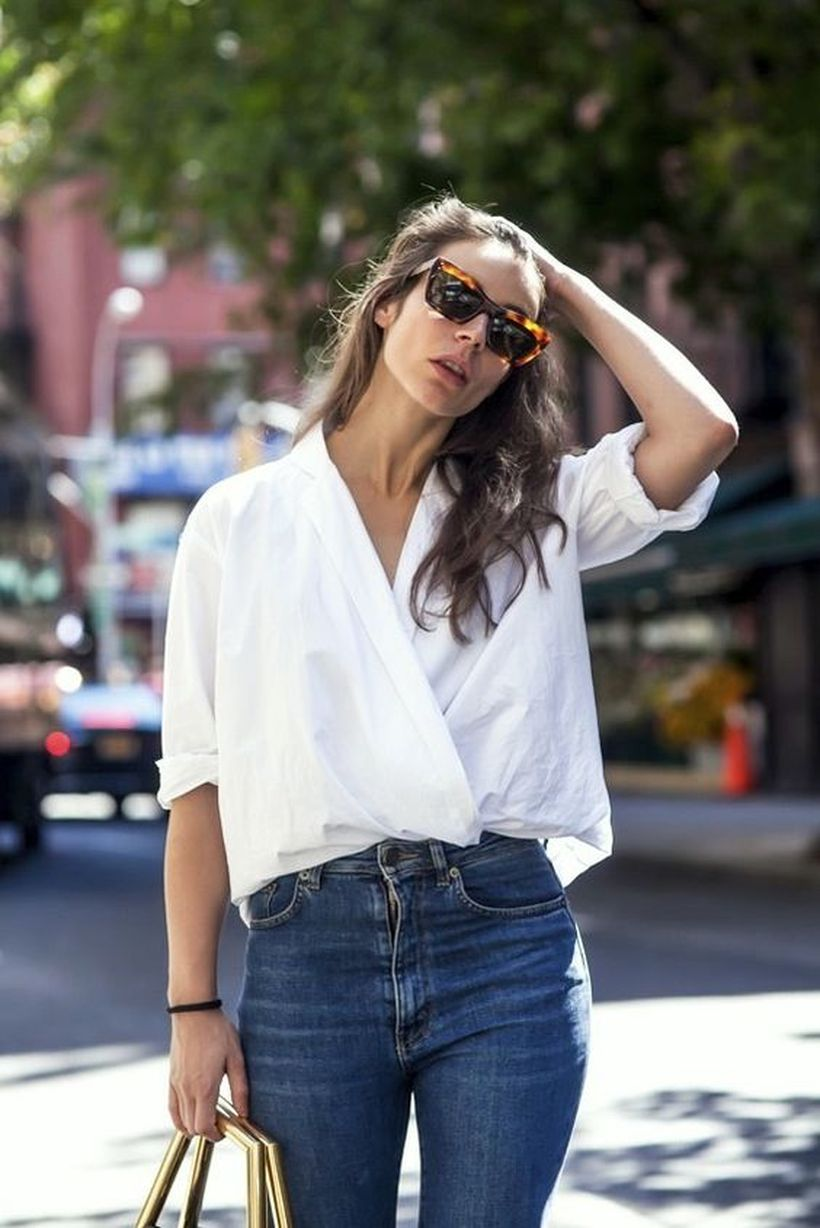 Oversized white shirt with jeans outfits ideas 7