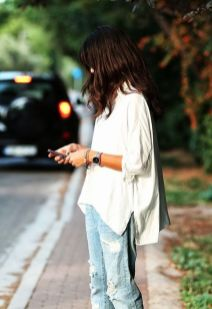 Oversized white shirt with jeans outfits ideas 9
