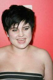 Perfect short pixie haircut hairstyle for plus size 23