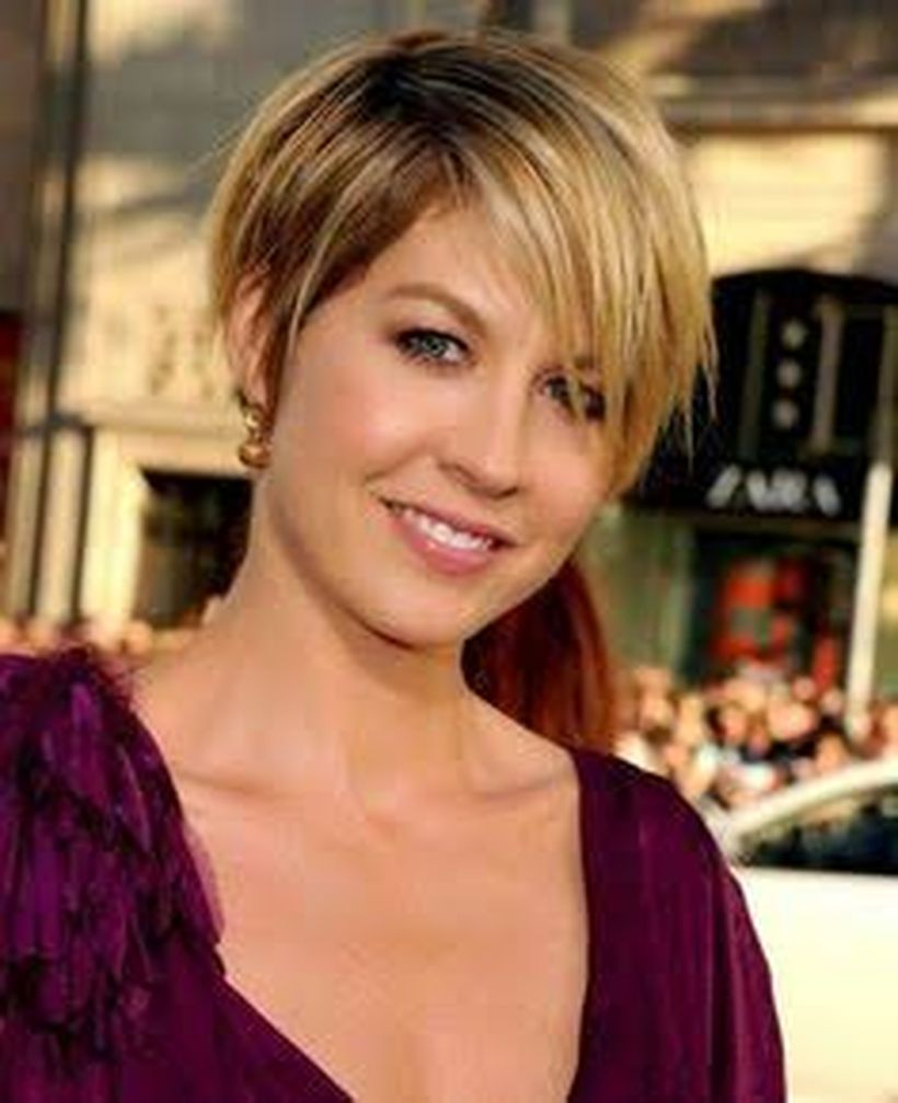 Perfect short pixie haircut hairstyle for plus size 7