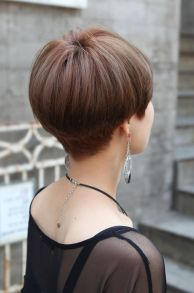 Stylist back view short pixie haircut hairstyle ideas 35