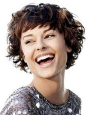 Stylist naturally curly haircuts ideas 19