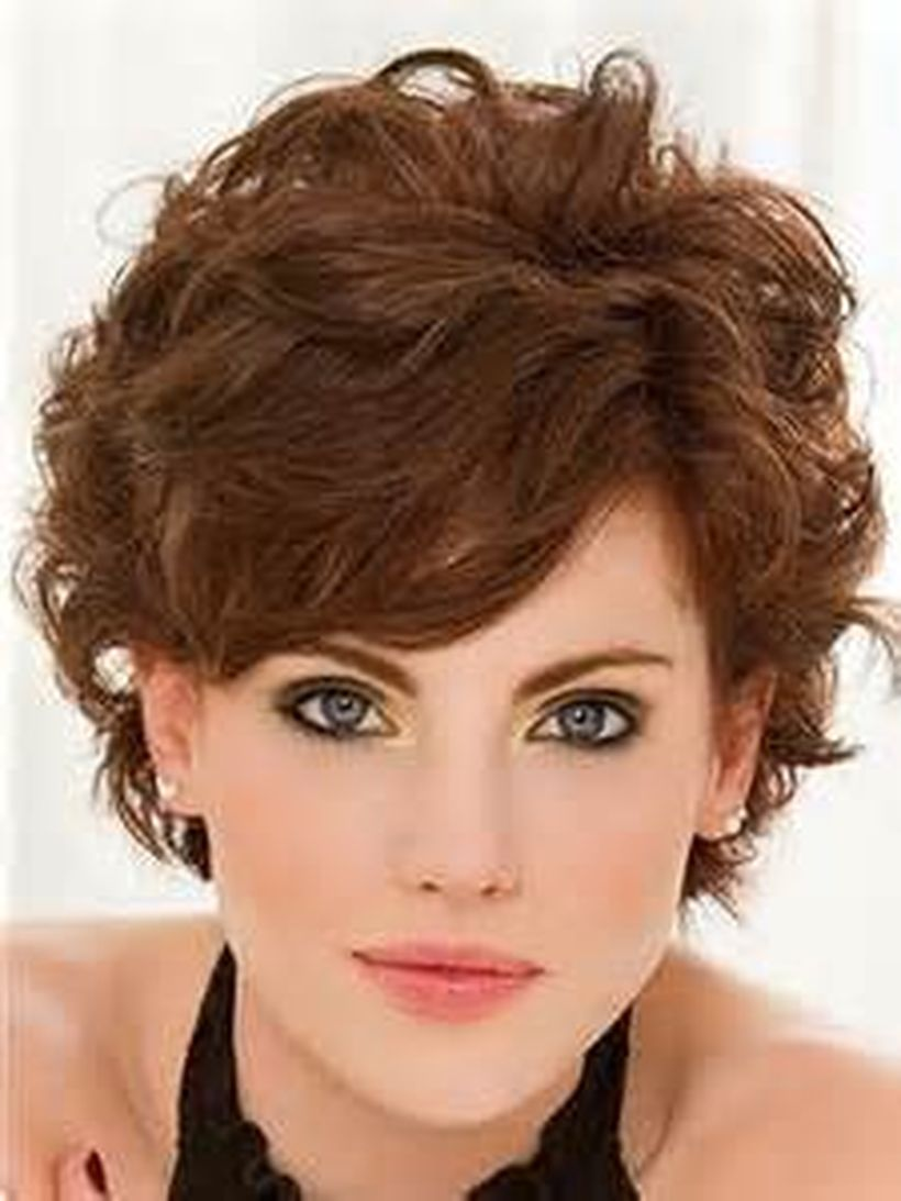 Stylist naturally curly haircuts ideas 3