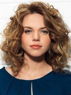 Stylist naturally curly haircuts ideas 40